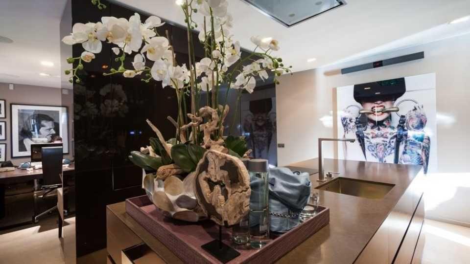 Top interieur stylist eric kuster zet zijn eigen droomvilla te