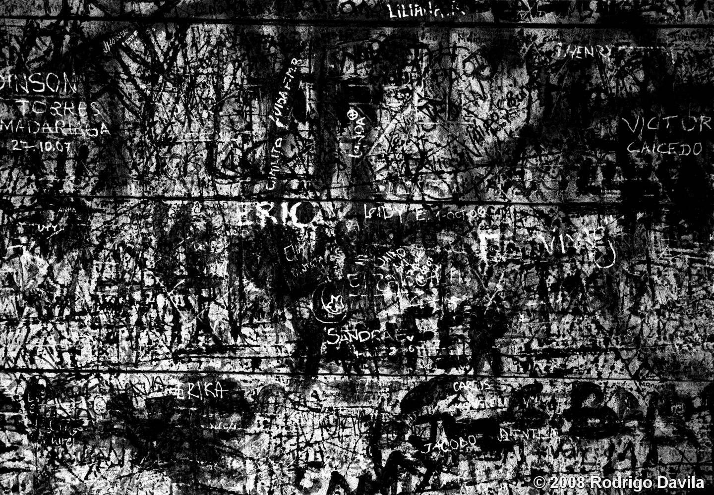 Graffiti_on_wood