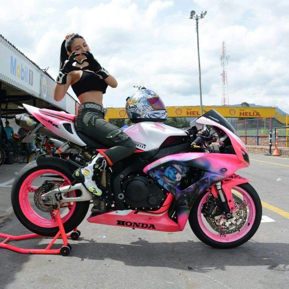 Commit Porn young girls of superbike