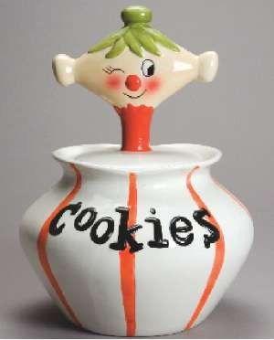 Google Image Result for http://www.antiquetrader.com/wp-content/uploads/AT-7-22-retro-cookie-jarc.jpg