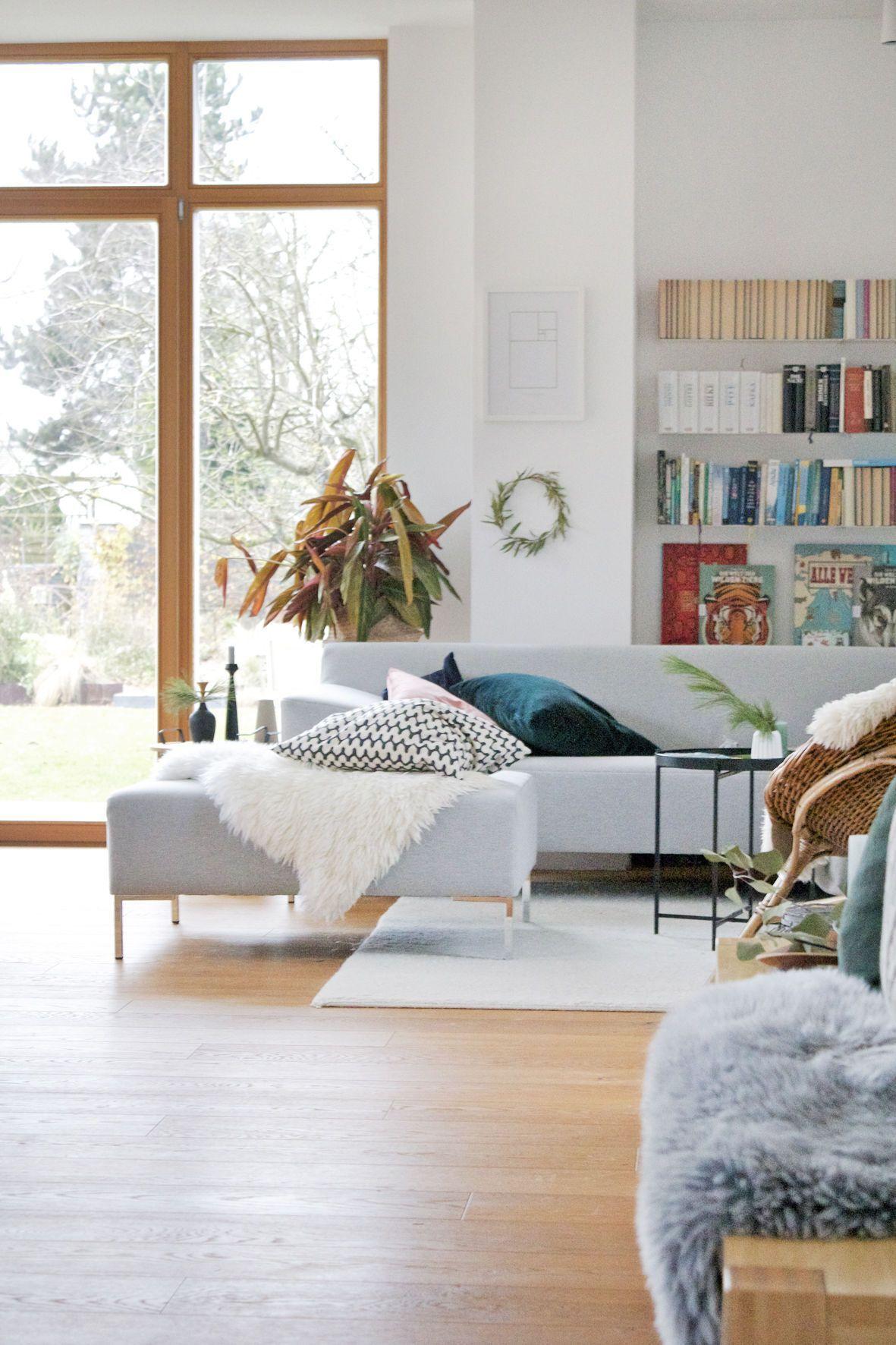 Wohnzimmer Hellgraue Couch