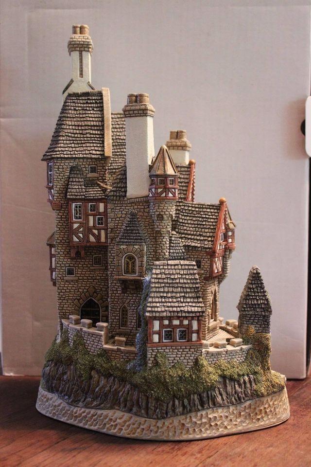 David Winter Dream List Winter House Miniature Houses Miniature House