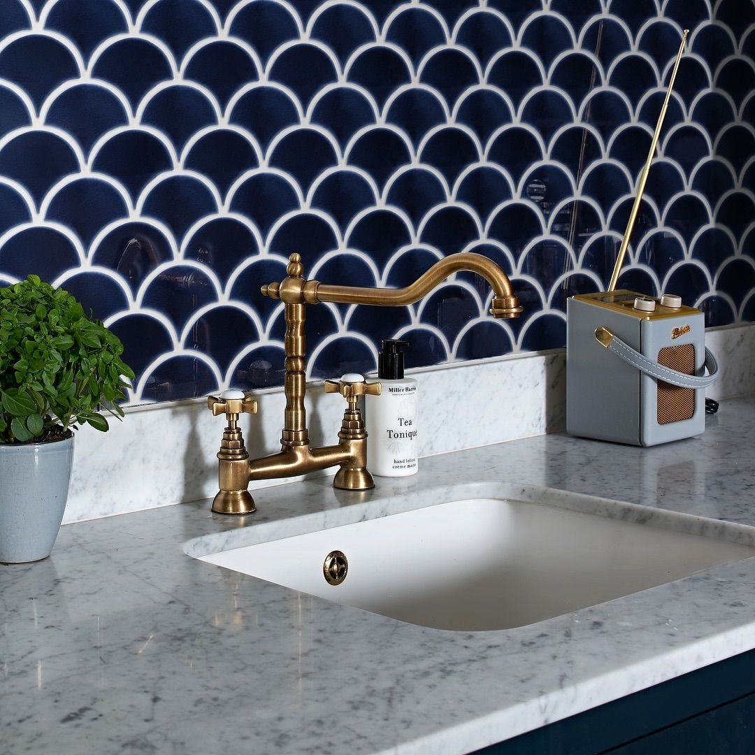 Ride The New Wave Of Tile Style With Ca Pietra S Fan Shaped Fish Scale Effect Tiles From The Atlantis Bathroom Tile Designs Fish Scale Tile Bathroom Styling