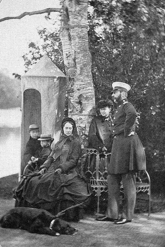 Император Александр II на прогулке.