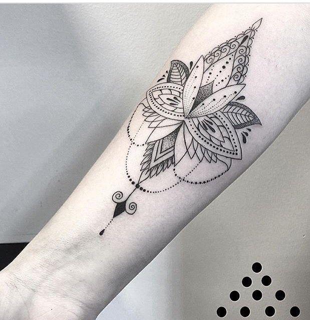 pinterest karengm29 tattoos pinterest tattoo ideen lotus t towierungen und tattoo liebe. Black Bedroom Furniture Sets. Home Design Ideas