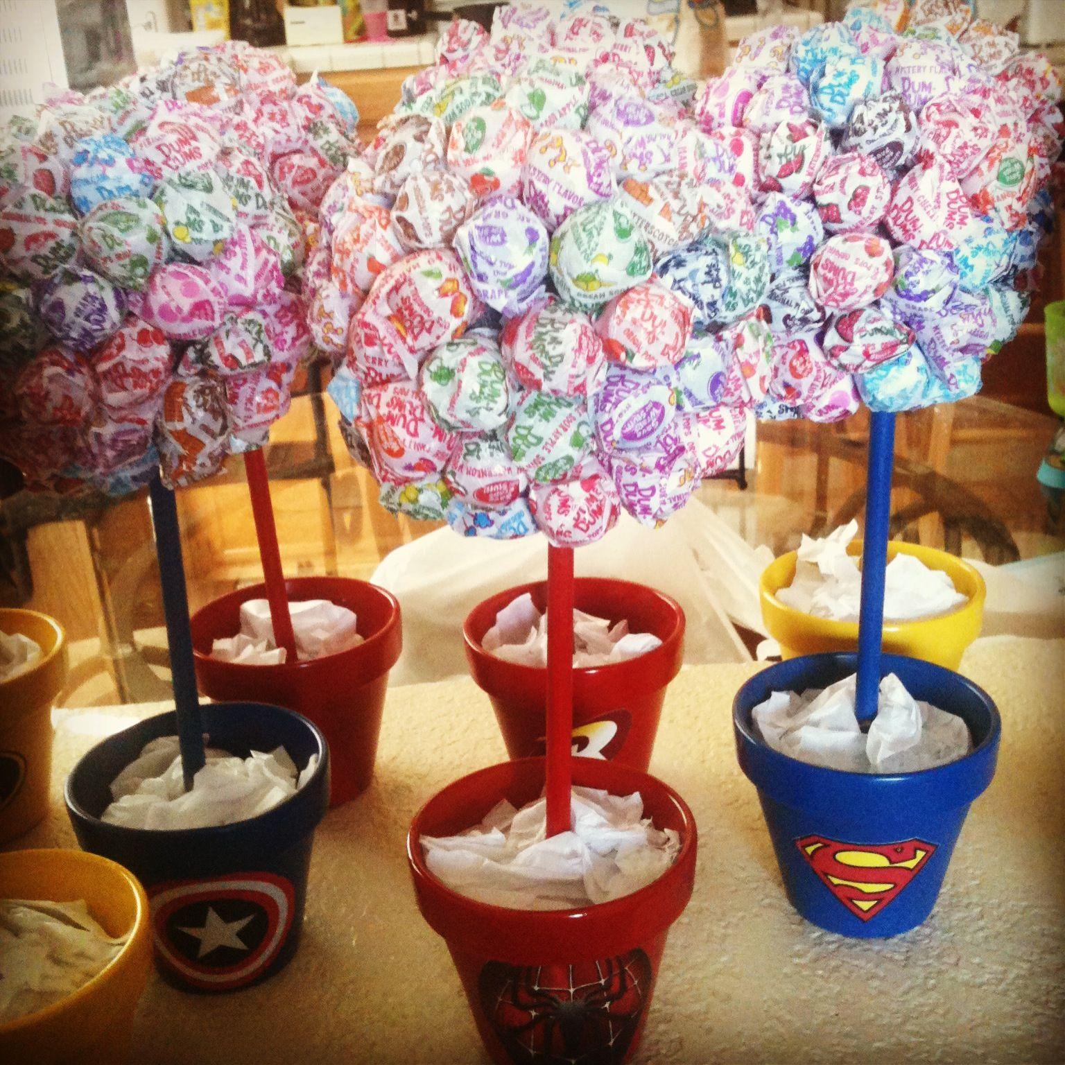Centerpieces for a superhero birthday theme party ideas for Wedding party centerpieces