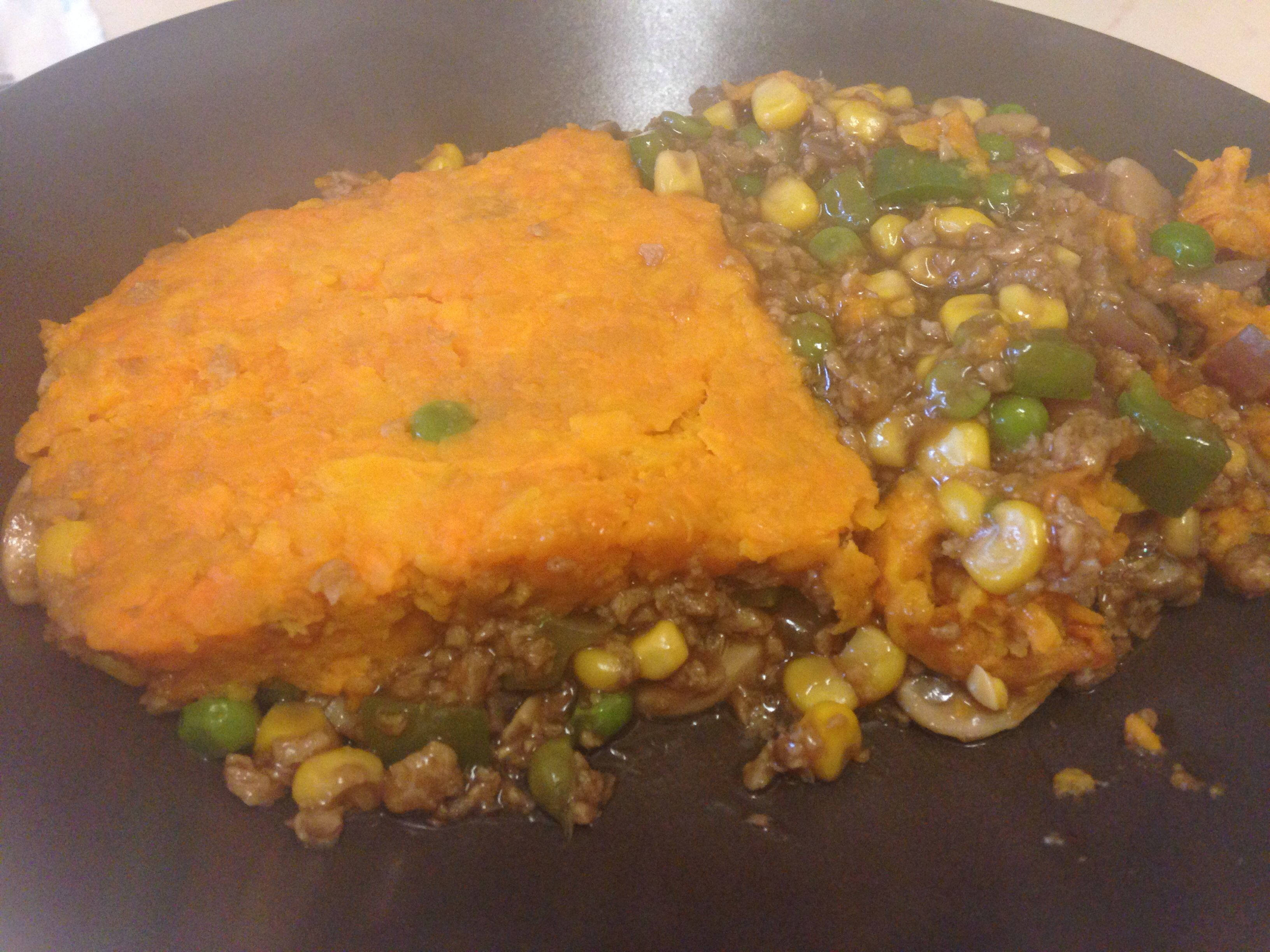 Home made vegan shepherds pie :) Sweet potato, soya mince, vegetables of choice and vegetable gravy #food #vegan