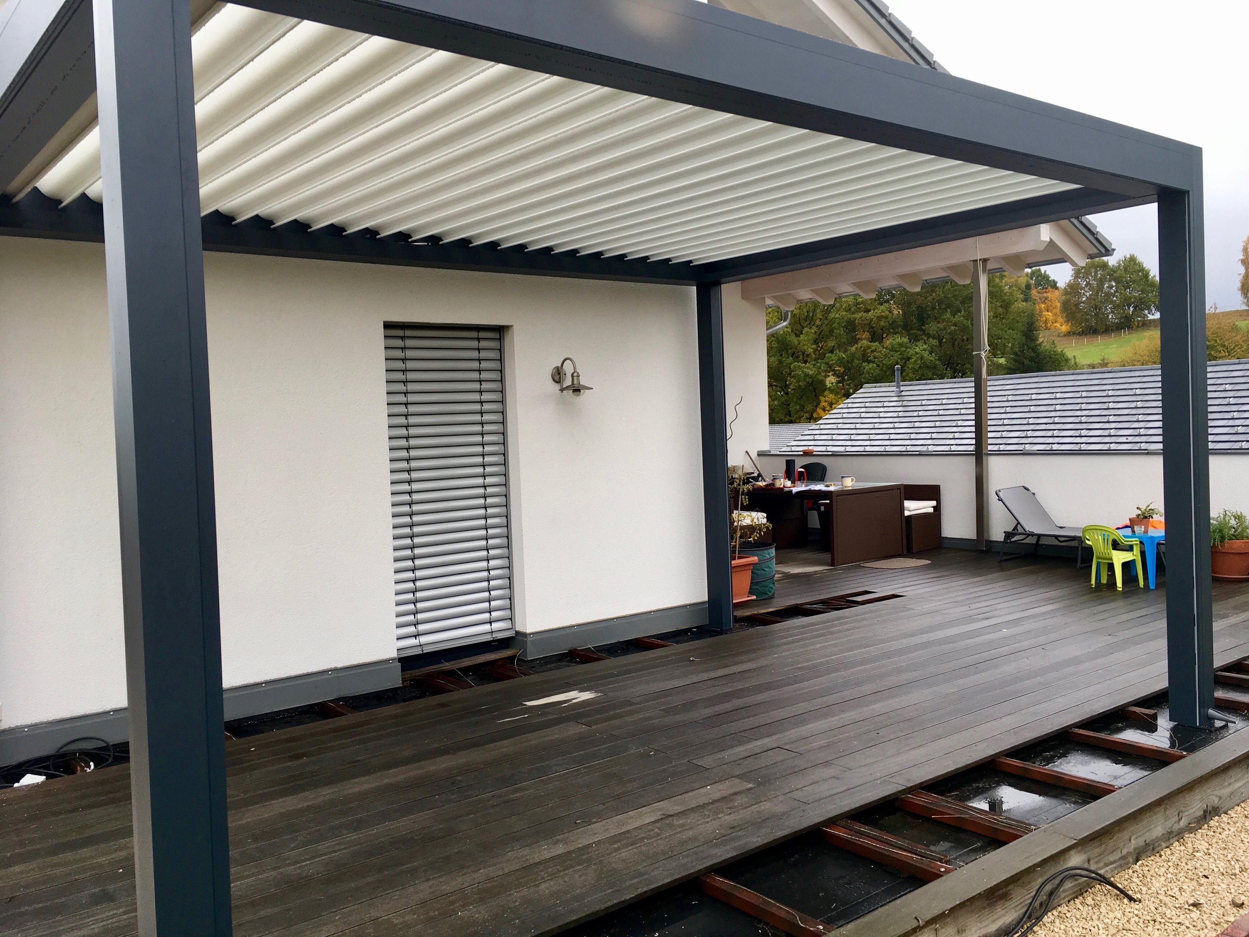 lamellendach einfach optimaler sonnen und wetterschutz mit der bioclimatischen pergola b200. Black Bedroom Furniture Sets. Home Design Ideas