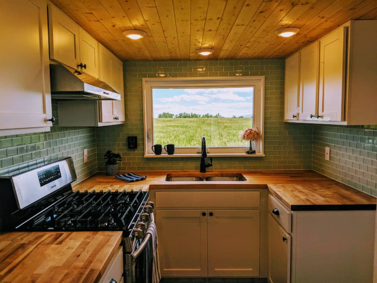 Colorado Blue Skies Tiny House For Sale In Fort Collins Colorado Tiny House Listings Tiny House Listings Tiny Houses For Sale House Heater