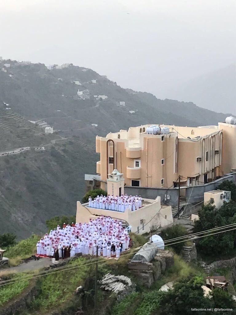 السلام على الغاليين صور جميله لصلاة العيد في فيفا في الجنوب السعودي روعه منظمين ماشاءالله Western Coast Landmarks Saudi Arabia