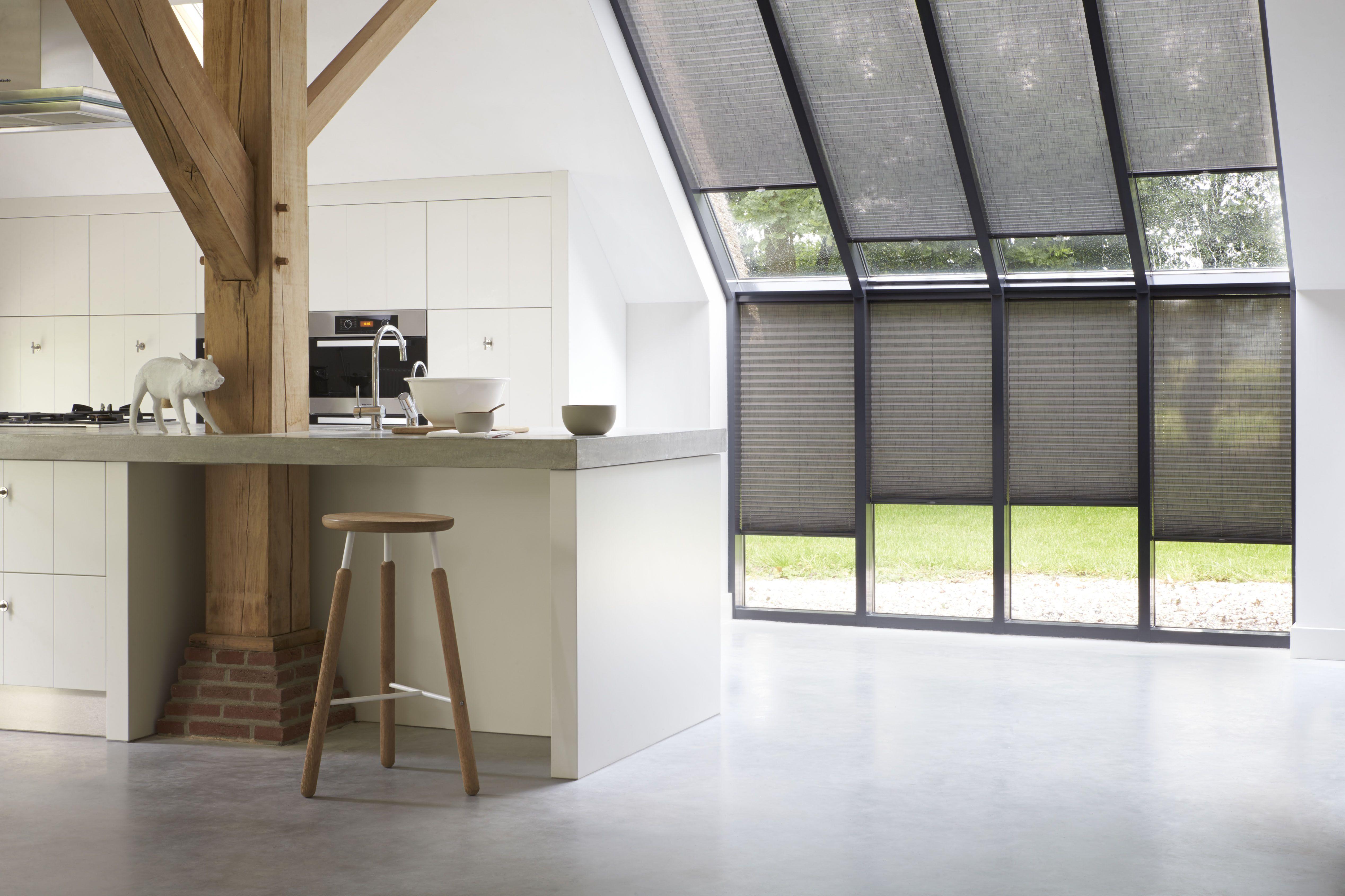 Keukens in aparte ruimtes geen probleem! #plissé #raamdecoratie