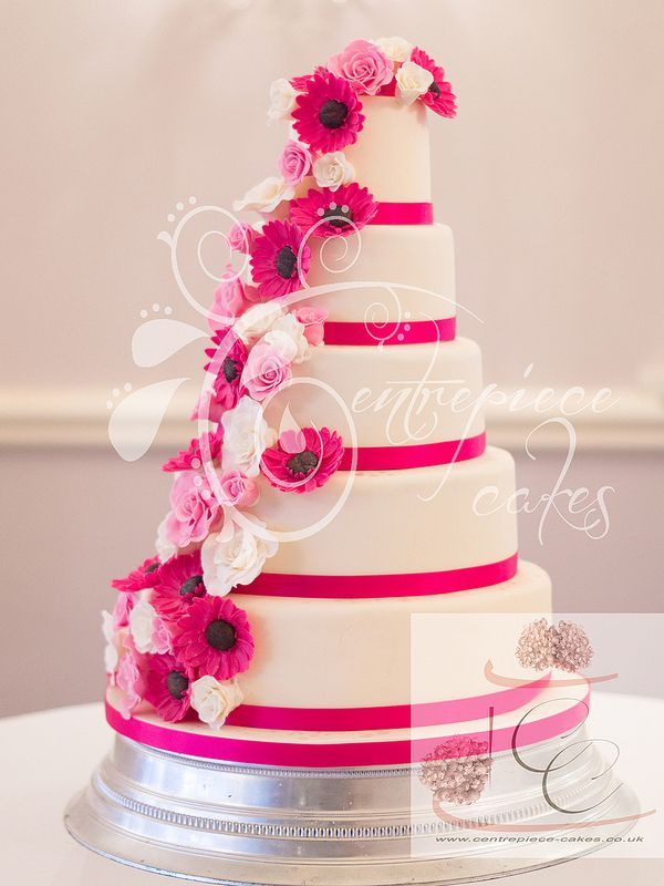 fuschia pink and white wedding cake centrepiece cakes pink roses and gerbera cascade 14623