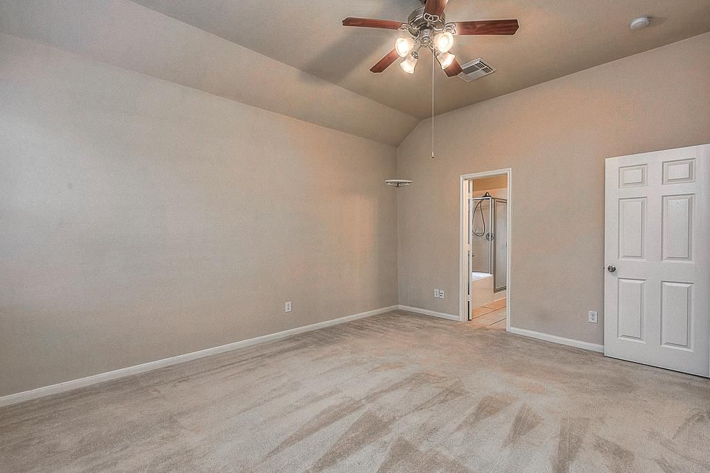 5015 Azalea Meadow Katy, TX 77494: Photo Master looking into Master Bath