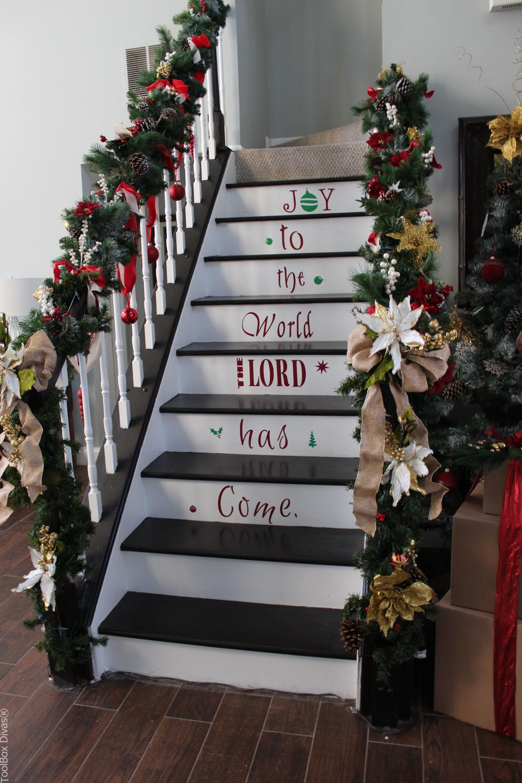 Amazing Staircase Idea For Christmas Toolbox Divas Christmas Diy Christmas Decorations Christmas Decor Diy