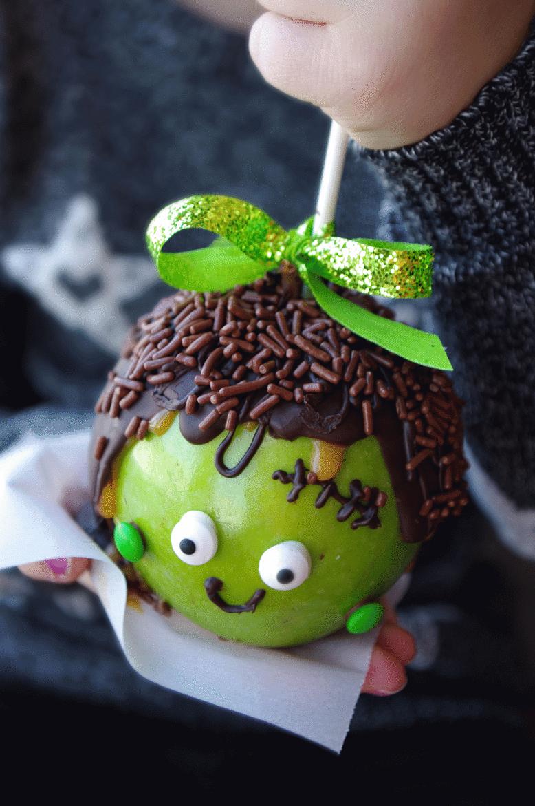 Halloween caramel apples. Fun activity with kids, perfect