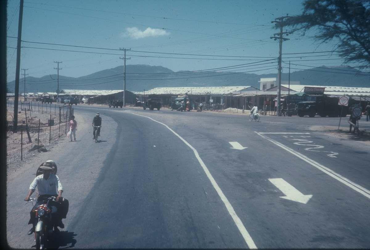 DaNang Air Base Vietnam   ... Da Nang to China Beach 1969 ...