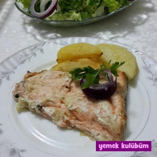 RECIPE: Salmon Fillet with Garlic Sauce garlic TARİF : Sarımsak Soslu Somon Fileto    RECIPE: Sal