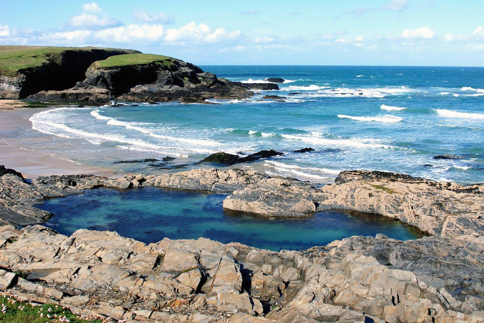 Treyarnon rock pool swimming uk