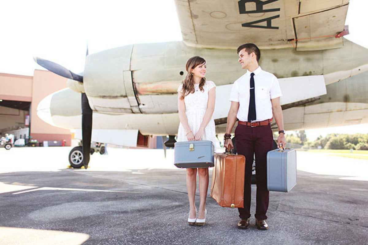 8 Travel-Themed Save-the-Dates Perfect for a Destination Wedding ...