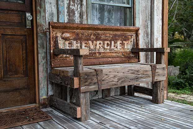 10 truck tailgate benches cowgirl up pinterest - Muebles de garaje ...