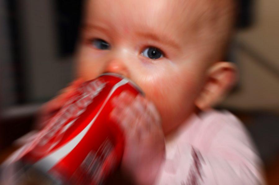 Alarmante: Mais de 30% das crianças tomam refrigerante antes dos 2 anos de idade, comprova a Pesquisa Nacional de Saúde... clique e saiba mais. .:. SILVANA GONÇALES Consultora Independete Herbalife: whatsapp (11)97153-0245 contato@focoemvidasaudavel.com.br www.facebook.com/focoemvidasaudavel .:. #focoemvidasaudavel #vidaativaesaudavel #herbalife