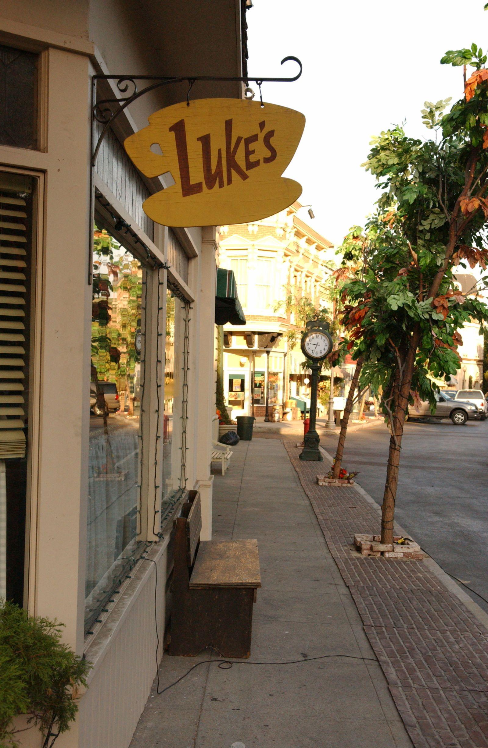 Luke's Diner * Stars Hollow * Gilmore Girls