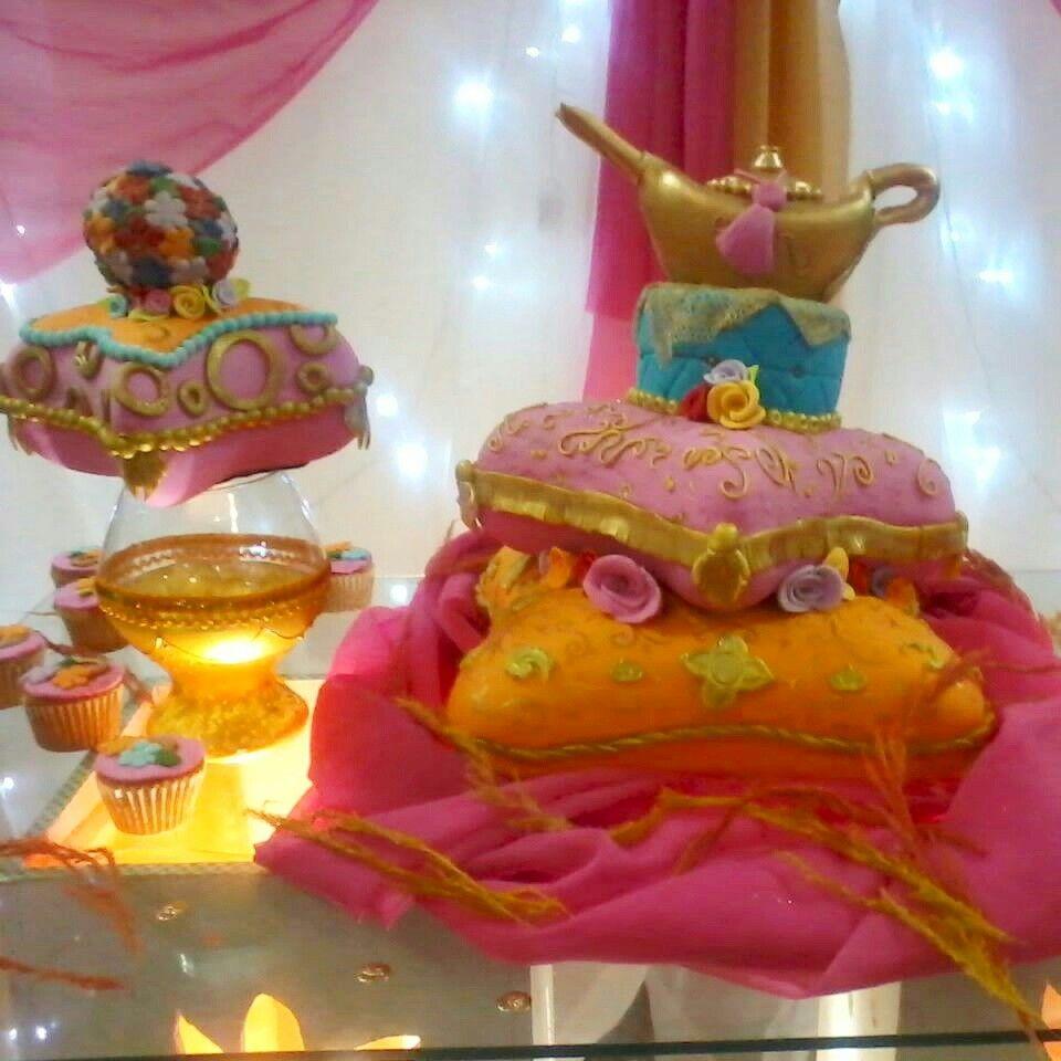 Torta De Cojines Arabes Pillow Cake Arabian Night Tortas En - Cojines-arabes