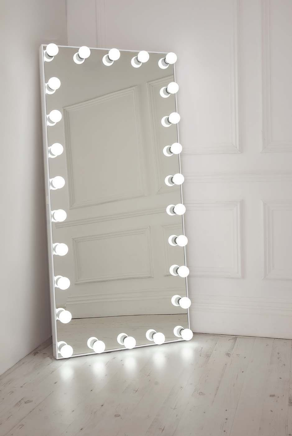 Ultimate Selfie Free Standing Full Length Illuminated Mirror