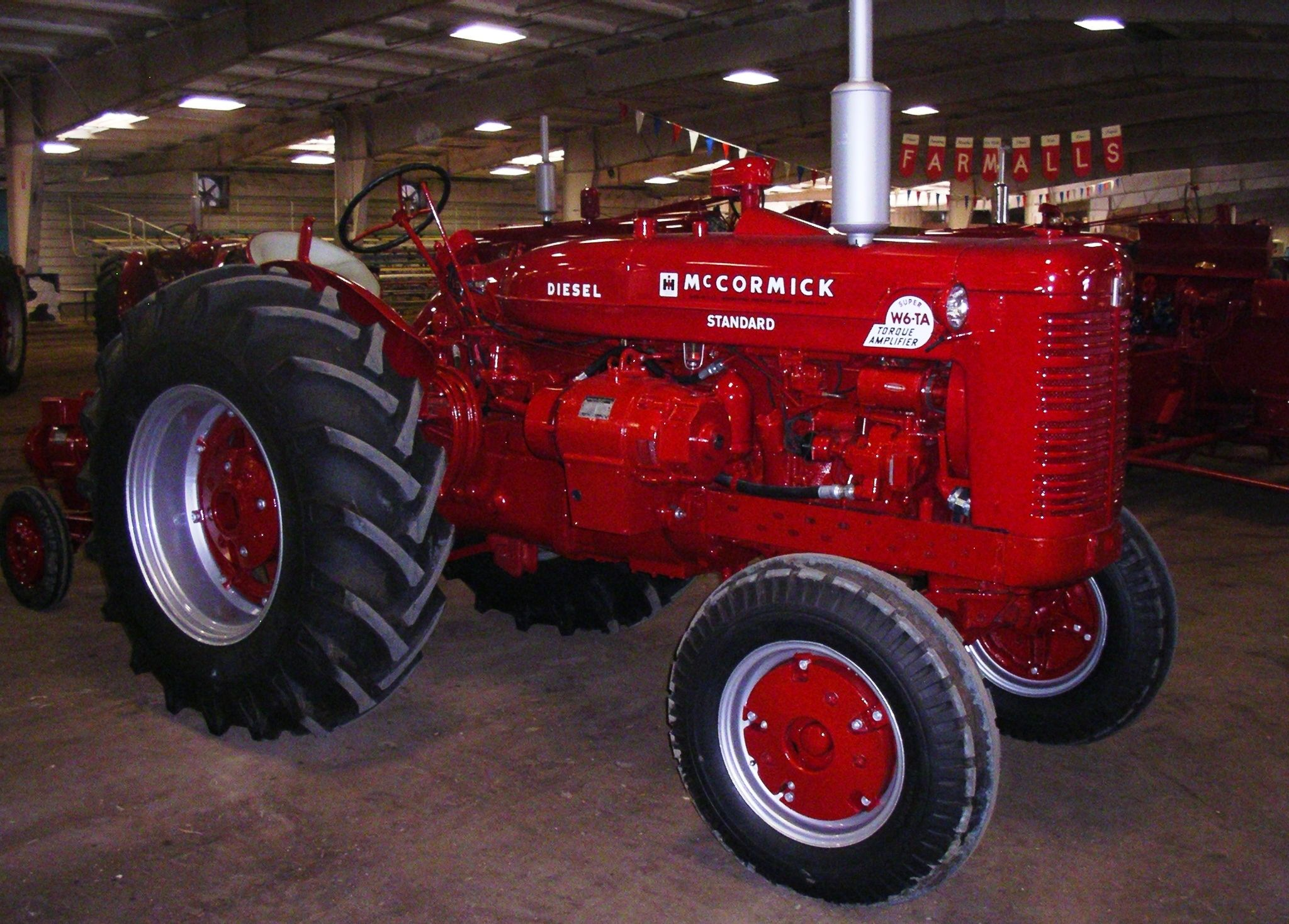 1954 mccormick super w6 ta with an optional electrall