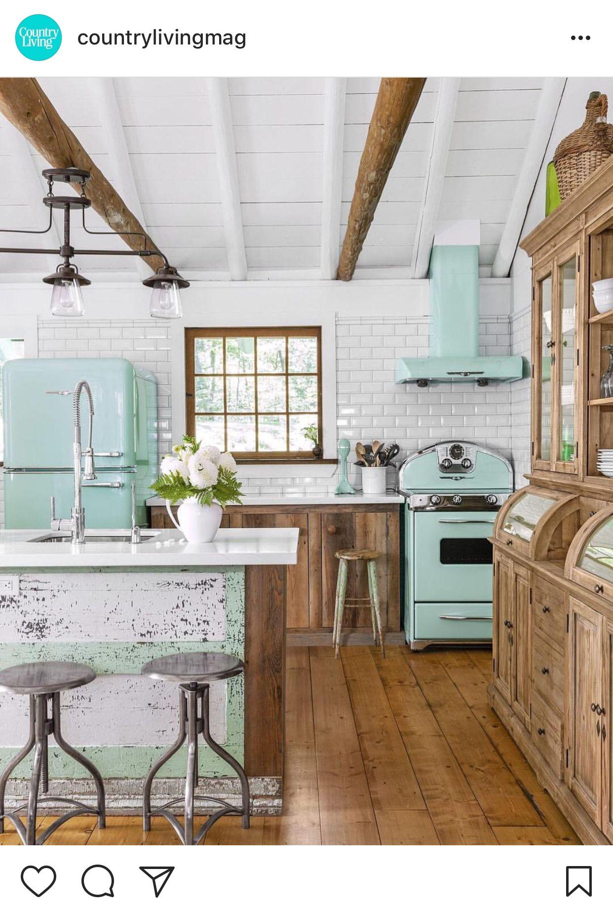 über küchenschrank ideen zu dekorieren posted by countrylivingmagazine  küchenfee  pinterest  haus