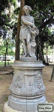 As histórias dos monumentos do Rio de Janeiro: Agosto 2014  E o conjunto de estátuas:  Outono  de Mathurin Moreau no Passeio Público do Rio de Janeiro