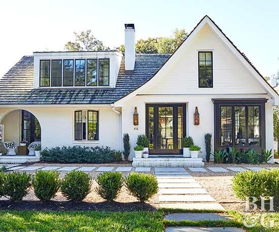 Home Exterior Makeovers You Have to See to Believe #modernfarmhousestyle