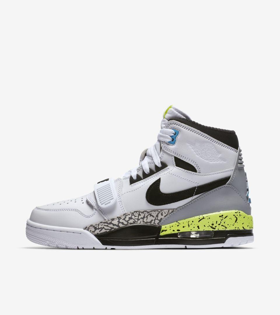 separation shoes 63e04 0dfc9 Looking for Nike accounts to COP sneakers like this SNKRgen isnt just a