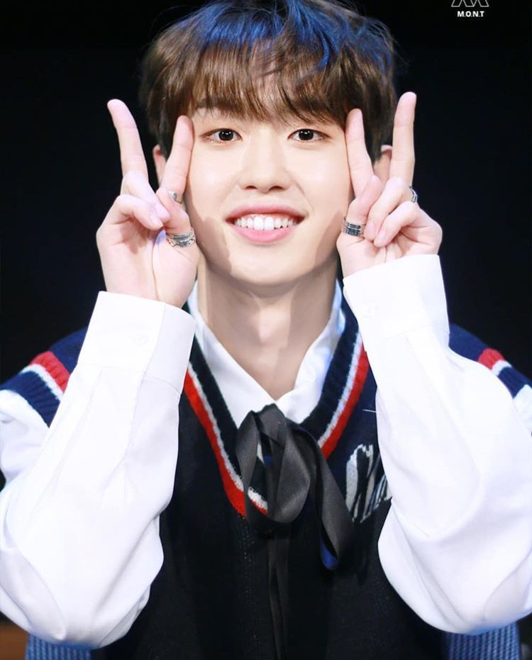 Mont Montkpop Bitsaeon Sangyeon Kimsangyeon Cute Aegyo Smile Happy Fansign 2019 Korean Idol Idol Kpop Idol