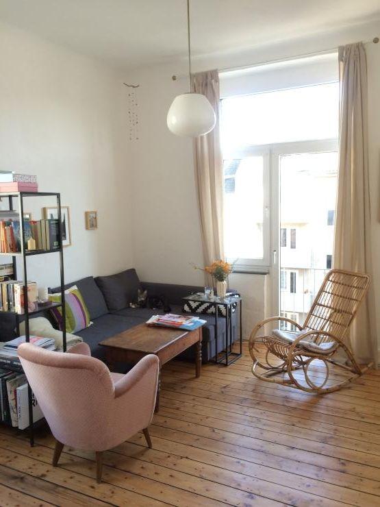 Wohnzimmer In Schöner Altbauwohnung In Köln. Wohnung In Köln Nippes. U201d Parkett