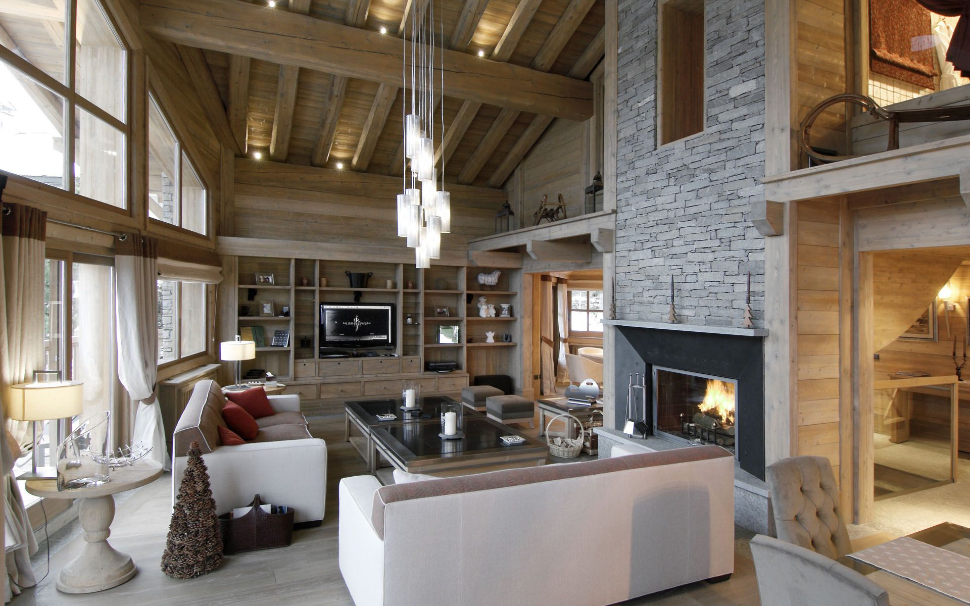 Mountain retreat interior design google search chalet for Innendekoration chalet
