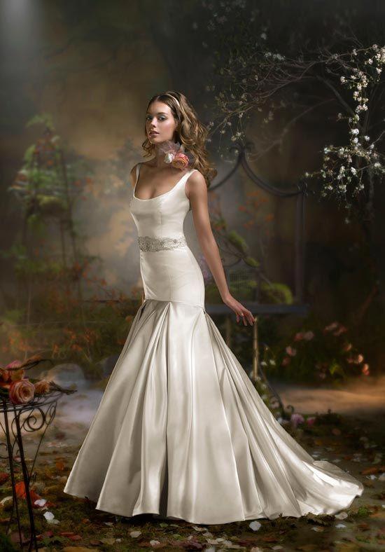 Photo Via WeddingideasStrappy Wedding DressSatin