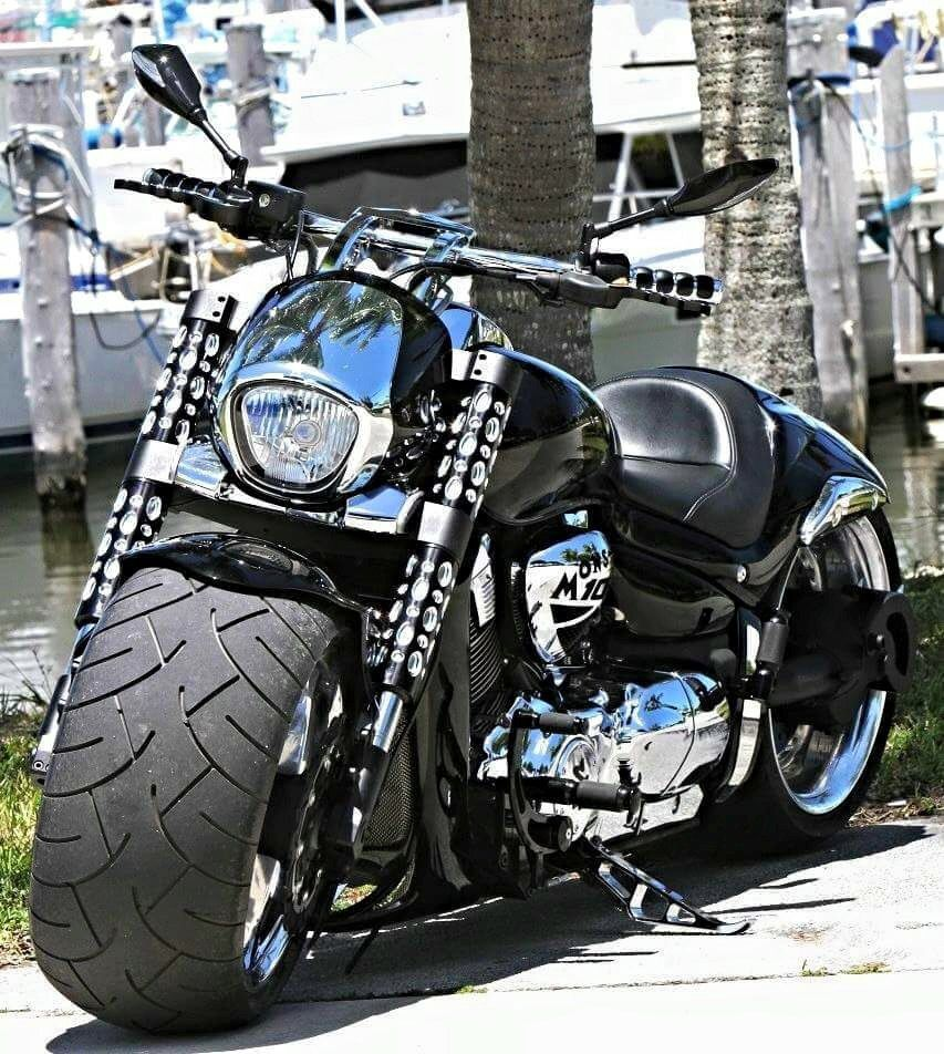Suzuki M109R Fat Tire Custom.
