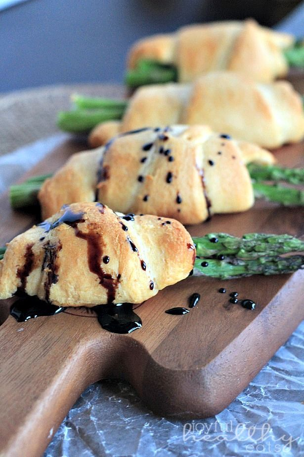 Rollups with a Balsamic Reduction Drizzle The easiest appetizer you will ever make.. Asparagus Rollups with Balsamic Reduction | The easiest appetizer you will ever make.. Asparagus Rollups with Balsamic Reduction |