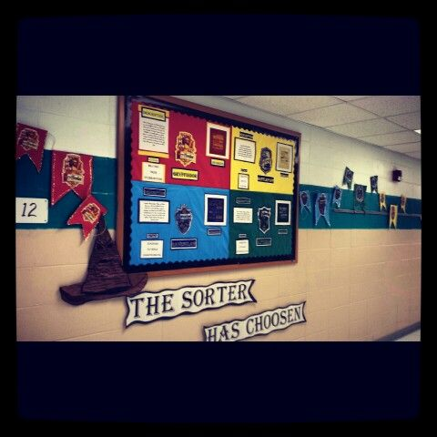 Reading Harry Potter Just Finished The Hallway Bulletin Board For The Sorting Ceremony Harrypotte Harry Potter Classroom Classroom Themes Harry Potter Decor