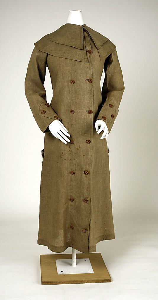 Duster Coat (1910): full-length, light-colored canvas or linen coats worn by horsemen to protect their clothing from trail dust. These dusters were typically slit up the back to hip level for ease of wear on horseback