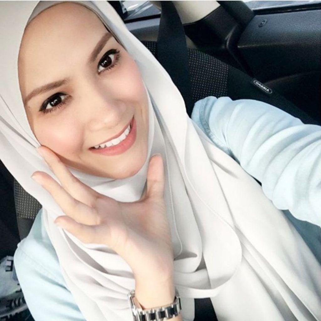 Sherry Ibrahim Selfie Jilbab Pinterest Beautiful Hijab Chocker Slice Top Blouse Baju Atasan Wanita Bl899 Selfies
