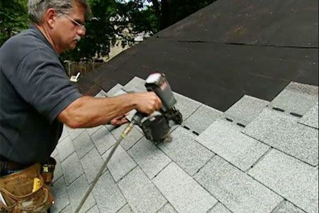 Toh General Contractor Tom Silva Shows How To Reshingle A