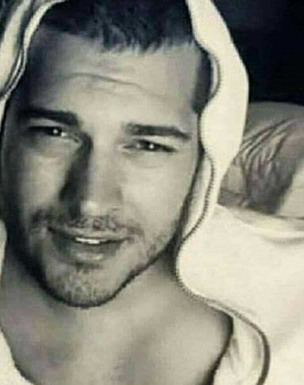 cagatay ulusoy bello iphone duvar kaa a tlara pinterest turkish actors actor model and man candy