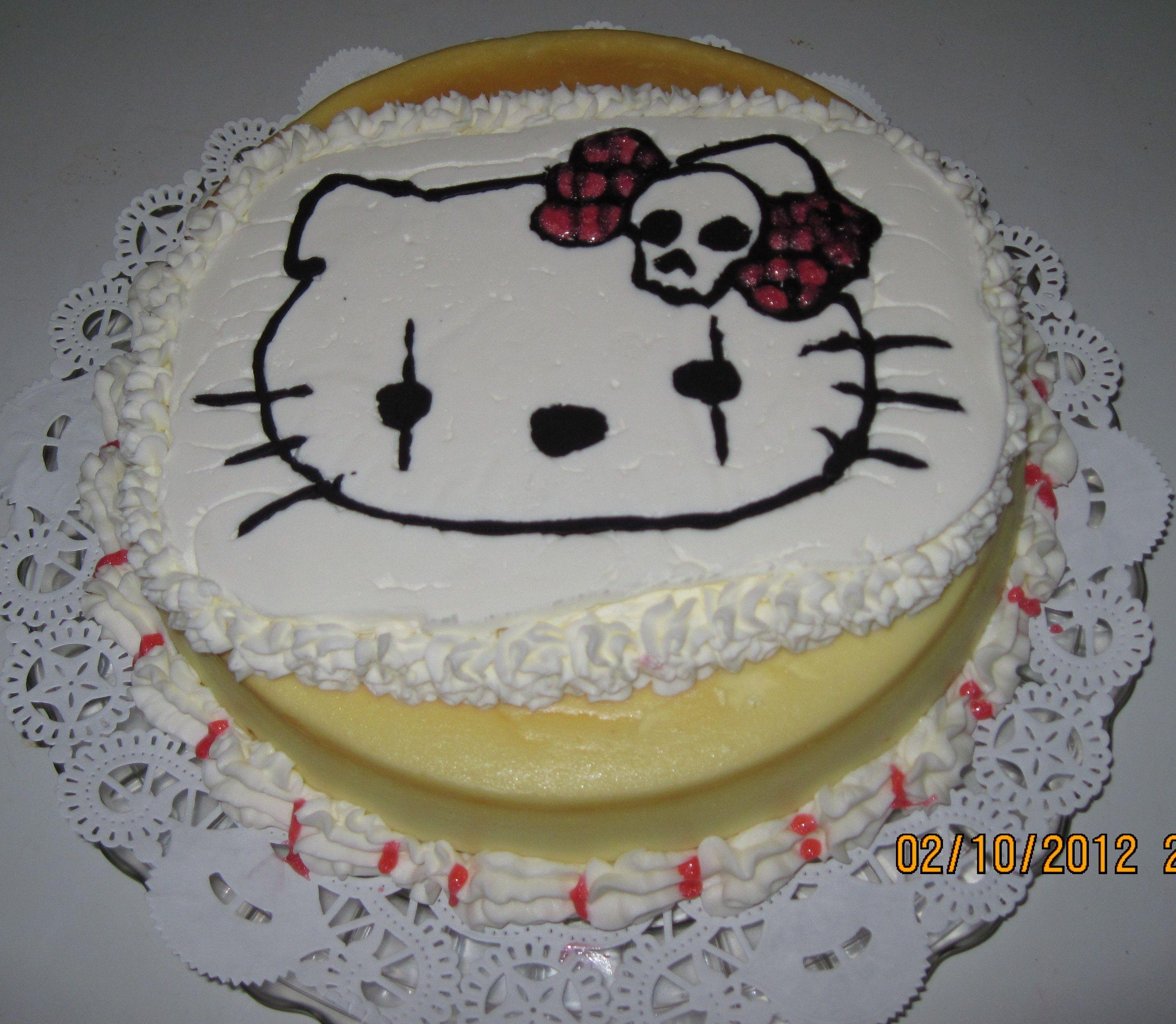 Goth Hello Kitty cheesecake | cakes, cupcakes & such ...