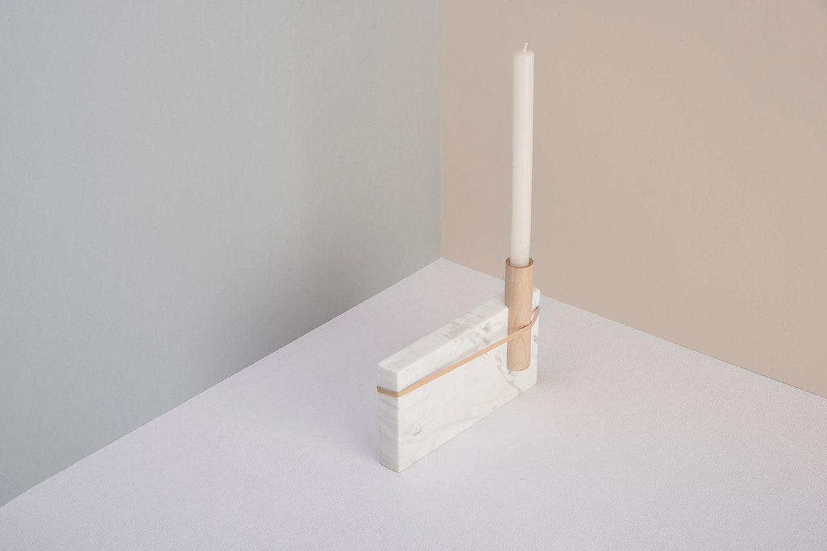 Sergio Barba, Omar Avilez et Santiago Vega, trois designers d'origine mexicaine présentent Candler, un bougeoir en marbre, bois et tulle. #design  #bougeoir