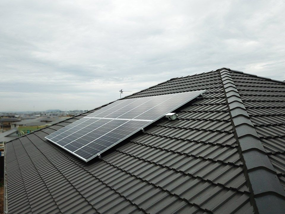 10 X Opal Solar Panels Installed In Cobbitty Solarpanels Solarpower With Images Solar Panels Solar Technology Solar