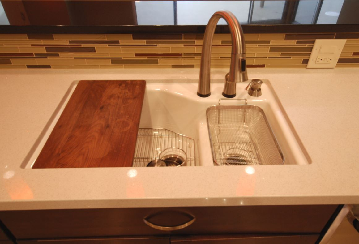 Moen Touch2o Faucet In Stainless with Kohler Indio Sink In White
