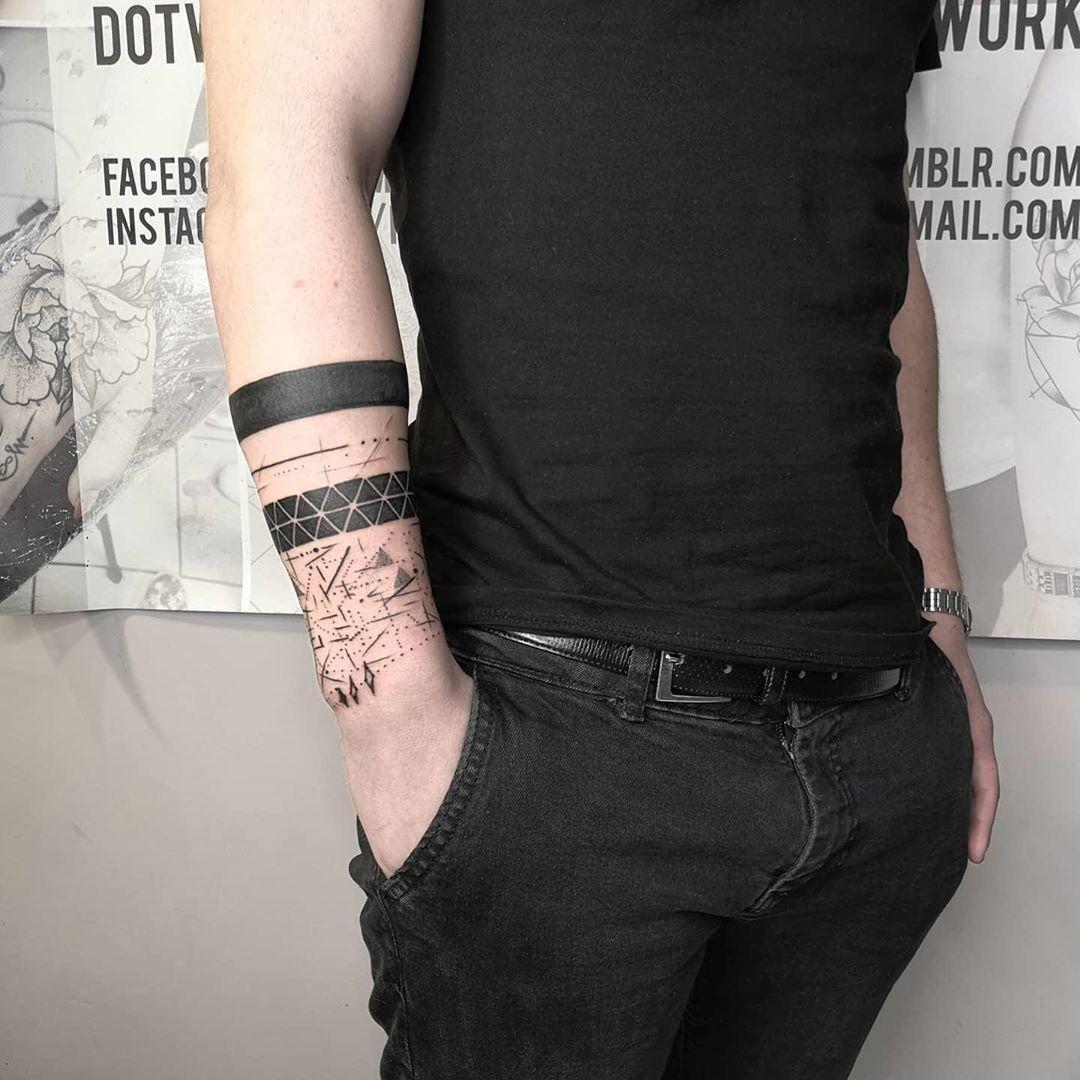 Wykonał @mikitatz  #tattoo #tattooinspiration #tattoos #blacktattoo #blxckink #tattooart #lublintattoo #lublin #polandtattoos #poland #slayertattoo #tatuaze #tatuazepolska #tatuaże #ink #inked #instatattoo