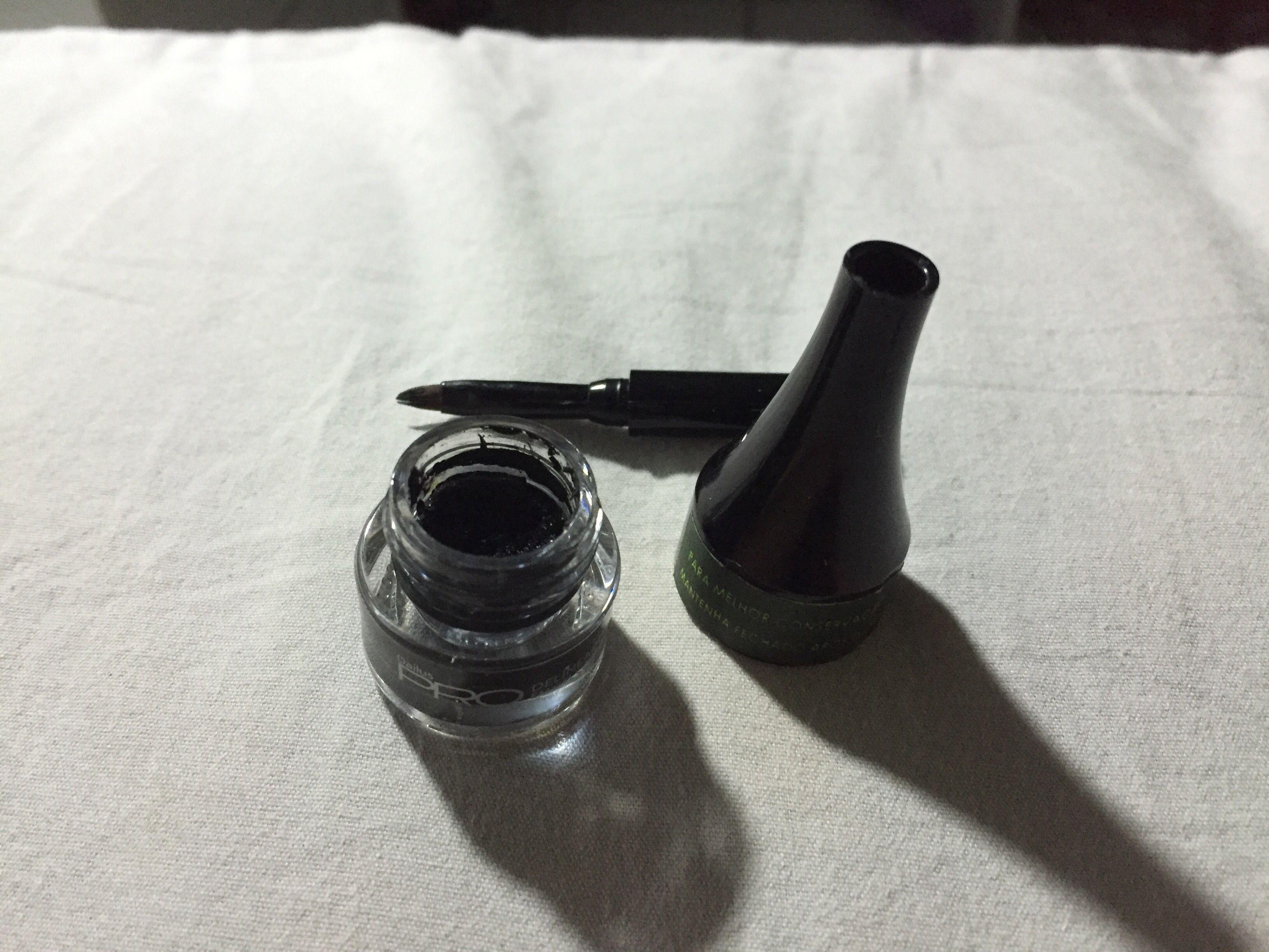 Delineador  Dailus pro - em gel Carbon